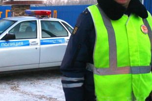 В Омске 7-летний ребенок перебегал дорогу и попал под колеса