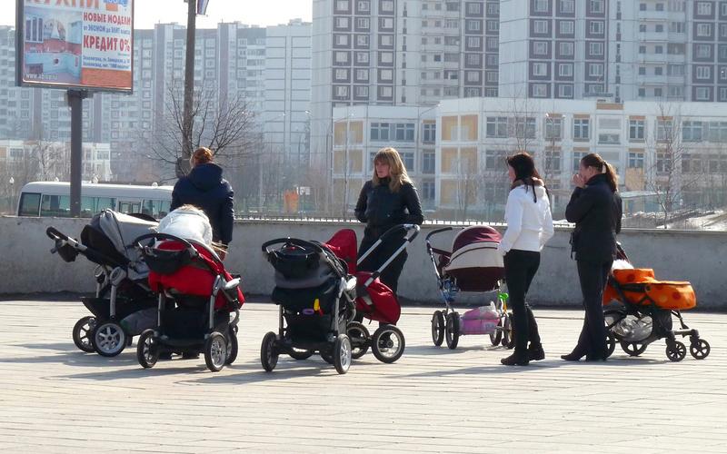 С начала года в Омской области родилось более 16 тысяч детей
