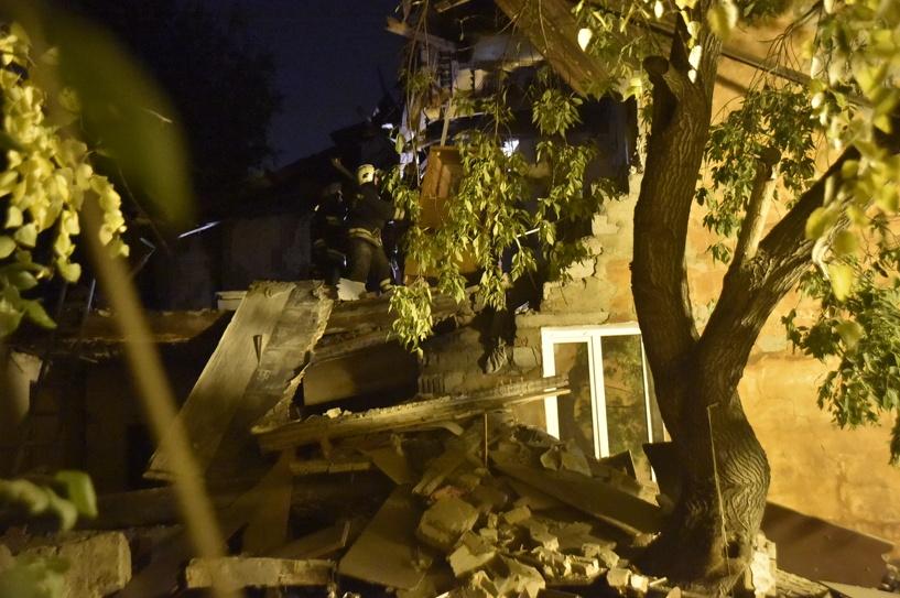 Официально: при взрыве двухэтажного дома в Омске погиб один человек, шестеро пострадали
