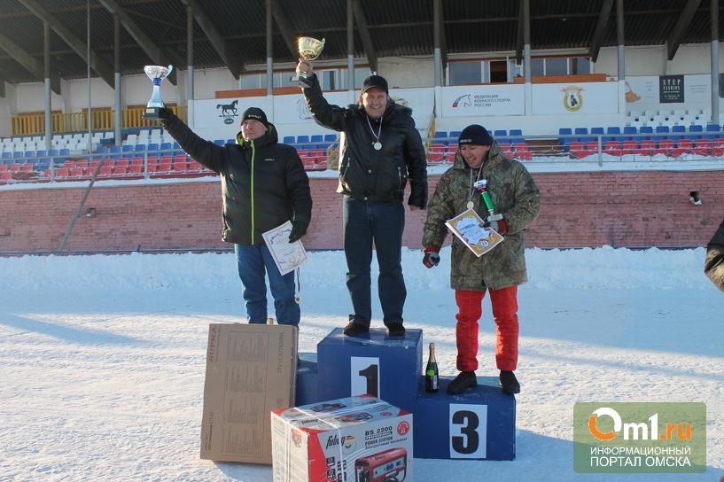 Лучшие спортсмены Сибири и Урала собрались в Омске на трековых гонках
