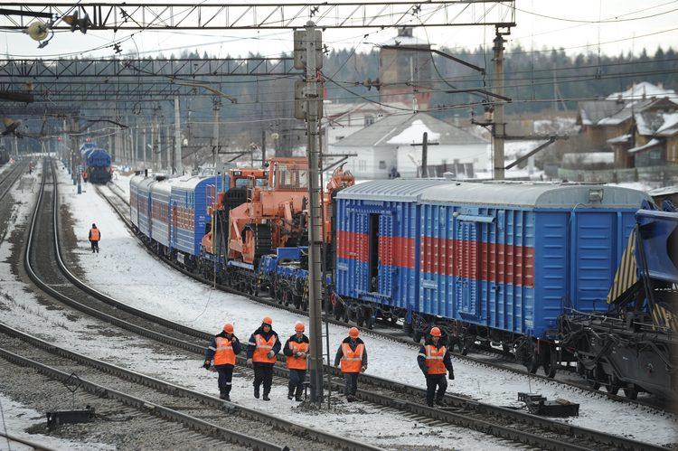 Проводники поезда «Владивосток — Москва» продавали омичам чужой багаж
