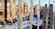 Жалобы омичей на плохую уборку снега и сосулек помогли выявить нарушителей