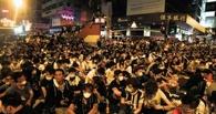 Люди в масках Гая Фокса спровоцировали в Гонконге столкновения полиции и протестующих