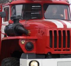 В Омске из-за непотушенной сигареты сгорели частный дом, гараж и сарай