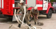 Из горящей пятиэтажки в Омске пожарные спасли 13 человек
