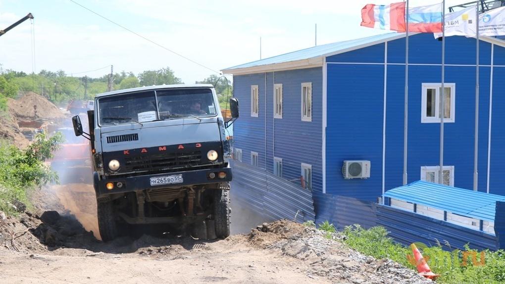 Омский врио губернатора пообещал, что в сентябре хоккейная академия «Авангард» уже откроется