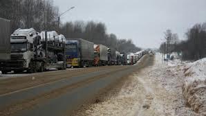 На трассе «Омск – Тюмень» столкнулись два большегруза и легковой автомобиль
