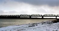 Железнодорожный мост через Иртыш стал светодиодным