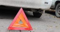 В Омске под метромостом столкнулись пять машин