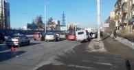 На Красном Пути в Омске произошло массовое ДТП с шестью иномарками