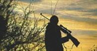 В Омской области задержали мужчину, который шел из леса с ружьем