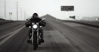 В Омске сбили молодого байкера и велосипедиста
