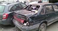 Омич на Audi разбил на парковке семь автомобилей