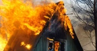 В Омске из-за пожара в дачном домике погибли двое детей