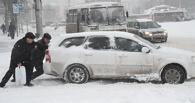 Омичи спешат на помощь: снегопад объединил людей