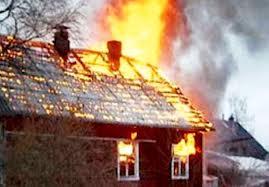В Тарском районе полностью сгорел частный дом