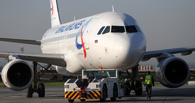 Порошенко официально запретил еще одному российскому авиаперевозчику летать над Украиной