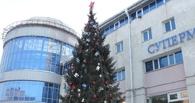 В Омске бизнесмен Кокорин внезапно начал устанавливать ёлку у «Континента»