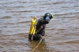 Спустя девять дней водолазы вытащили из воды тело омича,спасавшего своего сына
