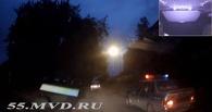 Омские полицейские устроили погоню за «шестеркой» с мопедом на крыше