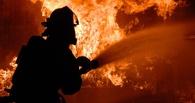 В Октябрьском округе 55 пожарных тушат столярный цех