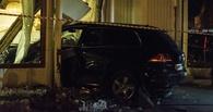 Официантка, попавшая под машину сына депутата в омском трактире «Ёлки-Палки», требует три миллиона
