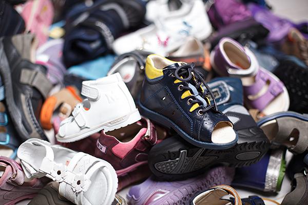 Омич рискует сесть на два года за кражу детской обуви