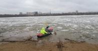 Омичи пытались переплыть Иртыш на лодке во время ледохода