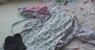 Прокуратура взяла под контроль поиски матери, бросившей в омском парке младенца