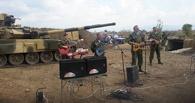 Поддержали российских солдат: «Голубые береты» выступили в Сирии на фоне танков