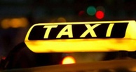В Омске такси с пассажирами попало в ДТП
