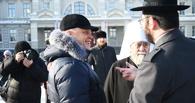 На парад войск на Соборной площади Омска пришли митрополит и раввин