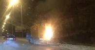 Запертые в горевшем в центре Омска автомобиле «ЗИЛ» рабочие трудились сверхурочно