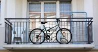 Омич угнал велосипед с балкона второго этажа