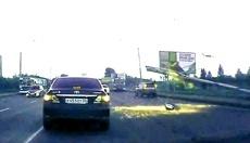 Яндекс: упавший столб на Ленинградском мосту омичам важнее новых штрафов ПДД