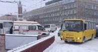 В центре Омска маршрутка врезалась в скорую с включенной сиреной - ФОТО
