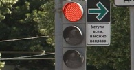 Омским водителям могут разрешить поворачивать направо под красный