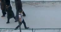 Омич разгуливал по улице в одной футболке