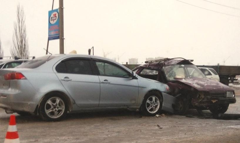 В Омске столкнулись 5 машин на Волгоградской