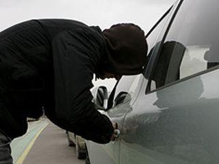 Омич, съехавший в кювет на ВАЗе недалеко от Полтавки, оказался автоугонщиком