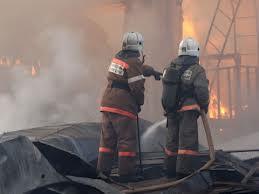 На пожаре в дачном домике под Омском погибла пенсионерка
