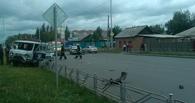В Омске столкнулись ВАЗ и УАЗ: «двенашка» загорелась