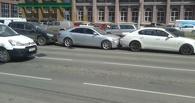 По цепочке: массовое ДТП на Жукова образовало 8-бальную пробку