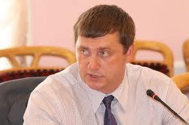 За незаконную «вылазку» на работу омскому чиновнику Дубину грозит СИЗО