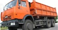 В Омской области пьяный омич погиб, упав с кузова «Камаза»