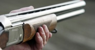 В Омской области мужчина из ревности застрелил односельчанина