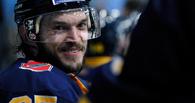 Омский «Авангард» обменял молодых хоккеистов на защитника Хомицкого