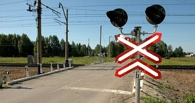 В Омске автобус врезался в поезд