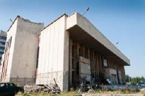 Заброшенному кинотеатру «Первомайский» требуется новый инвестор.