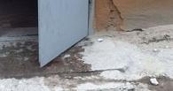 В Омске на голову женщине упал кусок бетона с ремонтируемой крыши